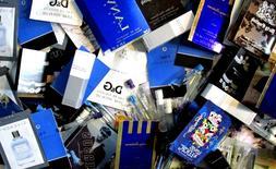 Lot of 12 Men's High End Fragrance Cologne Samples Random Bo